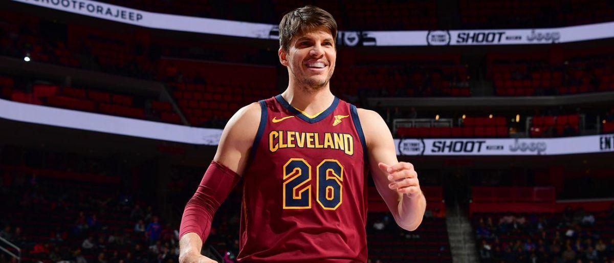 Cavaliers envían a Kyle Korver al Jazz