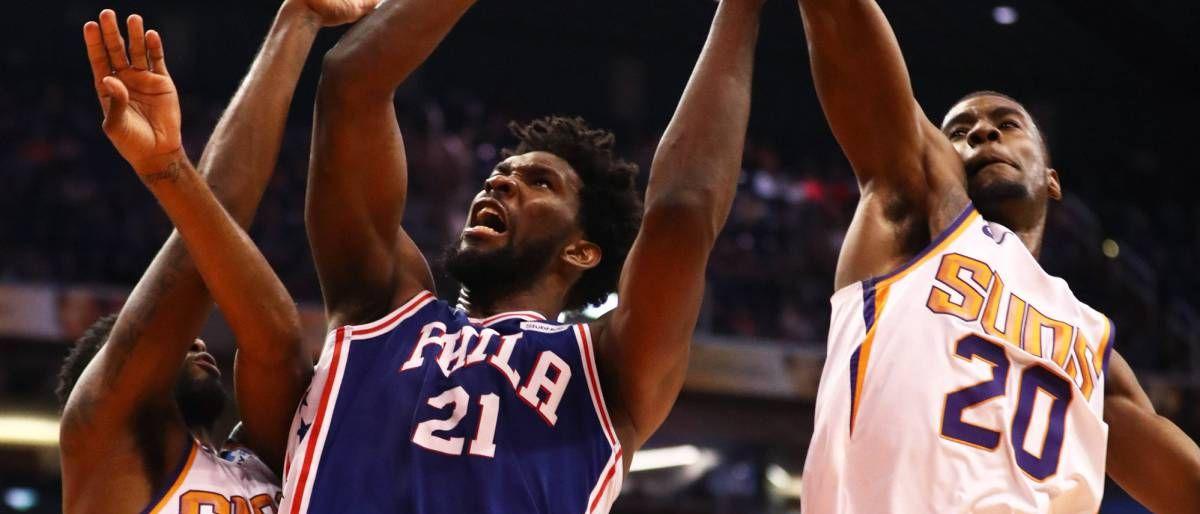 Embiid luce con 42 puntos; 76ers superan a Suns