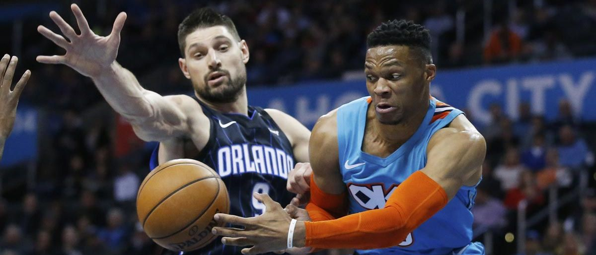 Westbrook hila 7mo triple-doble, guía a Thunder ante Magic