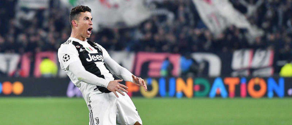 Cristiano Ronaldo multado 22.000 dólares por gesto obsceno