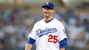 Freese (corva) inhabilitado por Dodgers; sube Smith