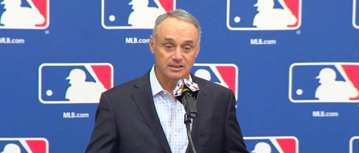 Manfred rechaza que pelotas de béisbol estén alteradas