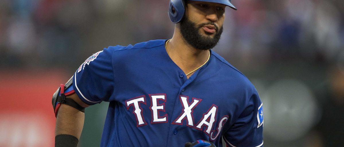 Nomar Mazara pasa de Rangers a White Sox