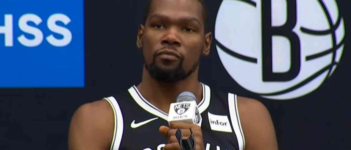 Kevin Durant entre los jugadores de los Nets que dieron positivo al coronavirus