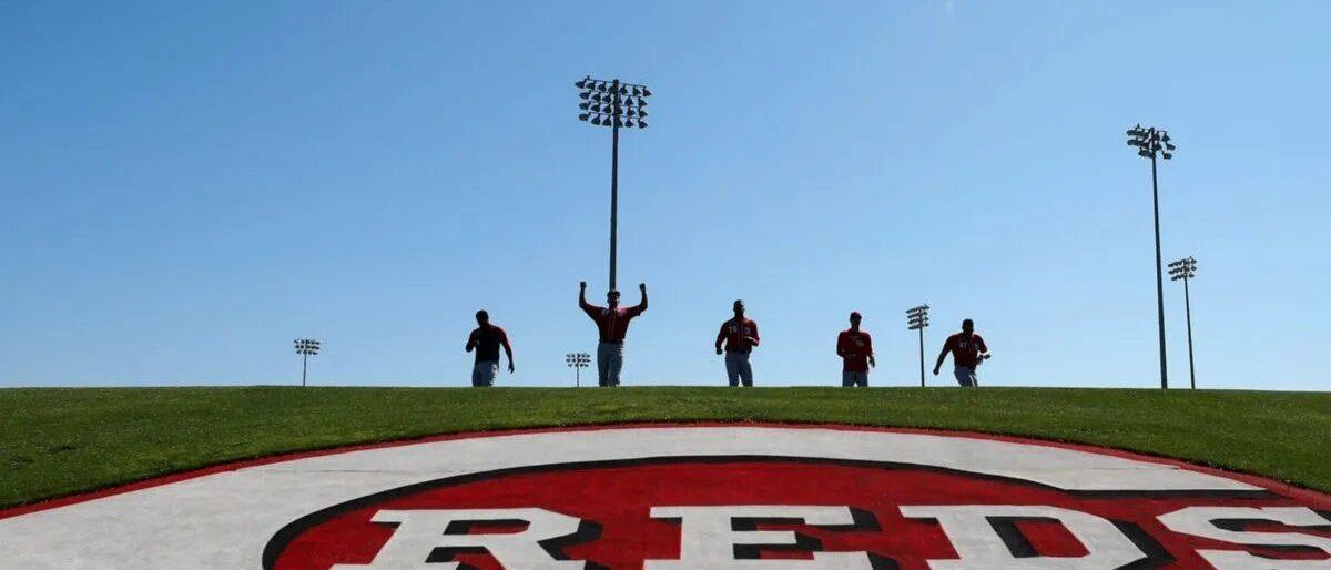 Rojos abren instalaciones en Cincinnati y Arizona