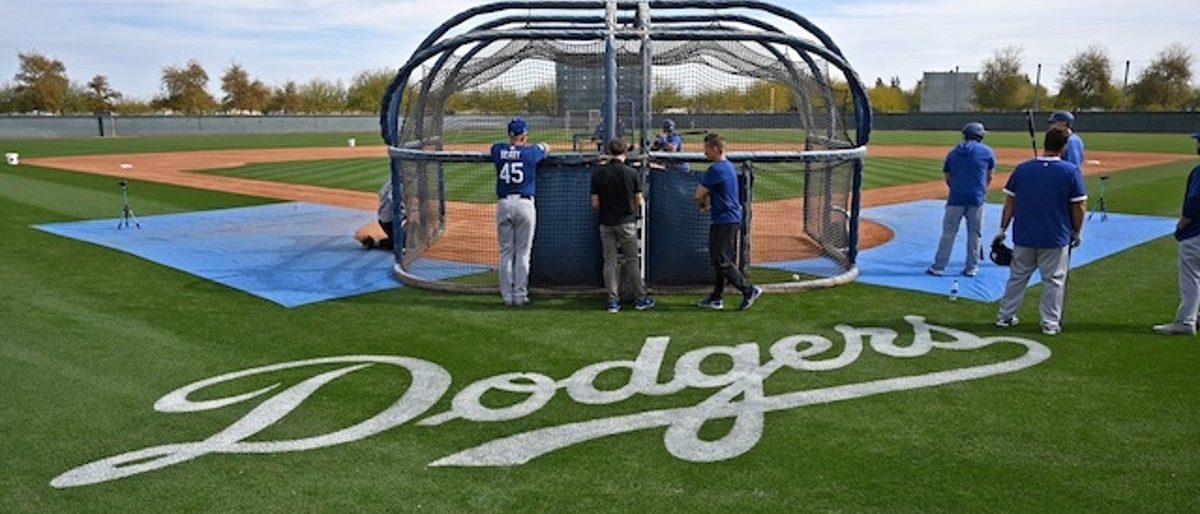 Dodgers reabren parcialmente sus instalaciones