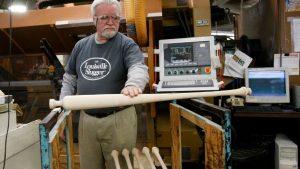 Préstamo ayuda a que fabricante de bates recupere empleados