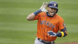 Astros ponderan cambiar a Correa