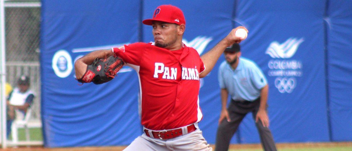 Las Estrellas importaron a los lanzadores Andy Otero y Adalberto Flores, quienes se integrarán al conjunto en lugar del norteamericano Tim Adleman y el cubano Norge Ruiz, en su roster de jugadores extranjeros.