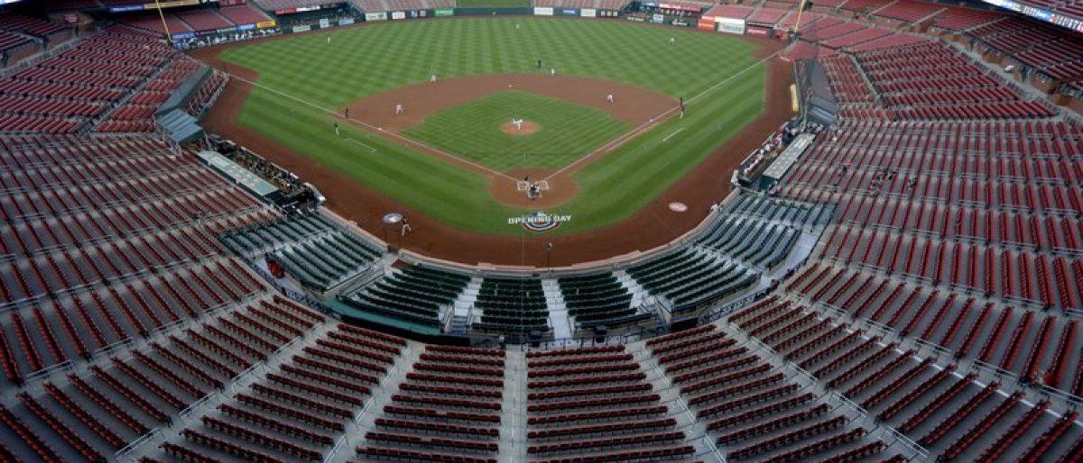 Peloteros de MLB deberán usar pulseras electrónicas